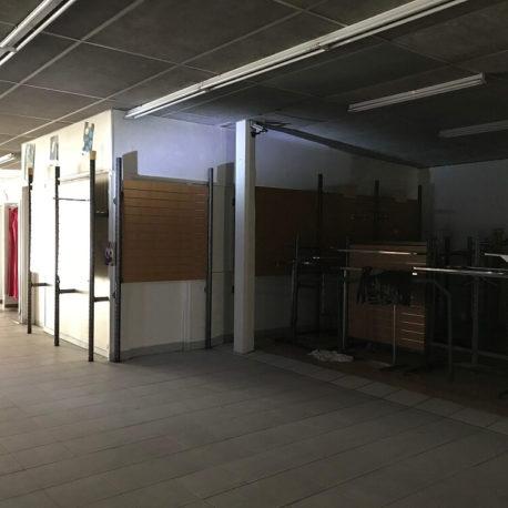 Intérieur 2 local commercial Elbeuf