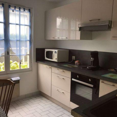 Cuisine aménagée et équipée maison Villers sur Mer – ST Immobilier Elbeuf
