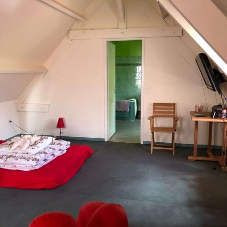 Chambre parentale avec salle de bains – maison F7 – Sotteville sous le Val – ST Immobilier Elbeuf
