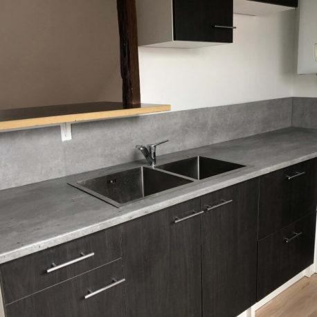 Cuisine aménagée et équipée – appartement F3 – 3ème étage – Caudebec les Elbeuf – ST Immobilier Elbeuf
