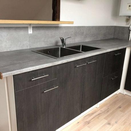 Cuisine ouverte aménagée et équipée – appartement F3 – 3ème étage – Caudebec les Elbeuf – ST Immobilier Elbeuf