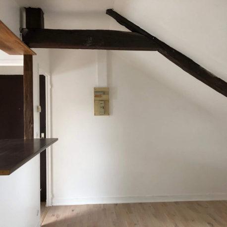 Salle de séjour-salon avec bar- appartement F3 – 3ème étage – Caudebec les Elbeuf- ST Immobilier Elbeuf