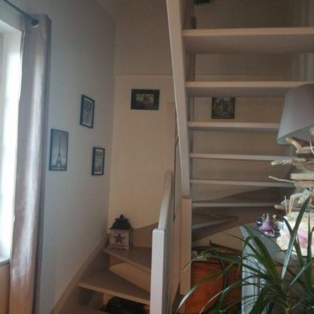 Escalier – appt F2 duplex – rue des Bonnes Femmes – Dieppe – Exclusivité – ST Immobilier Elbeuf