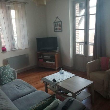 Salle de séjour-salon – appt F2 duplex – rue des Bonnes Femmes – Dieppe – Exclusivité – ST Immobilier Elbeuf